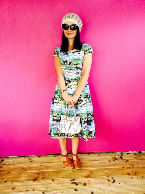 Fab retro print vintage inspired Dress.