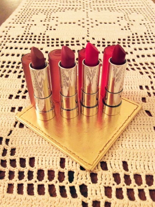 Gorgeous velvety matte lipstick glide on effortlessly!